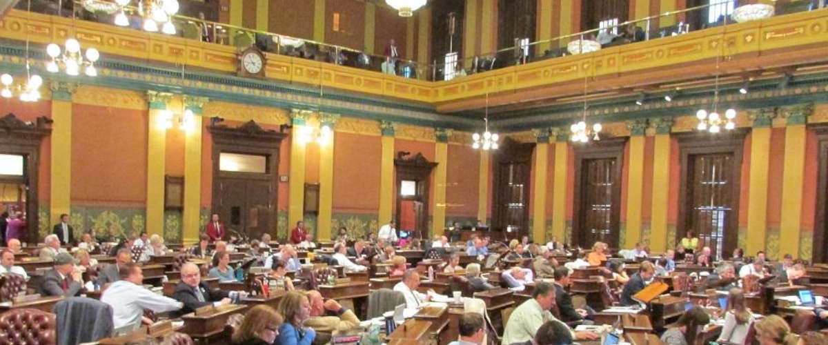 Michigan Online Poker Clears House Committee
